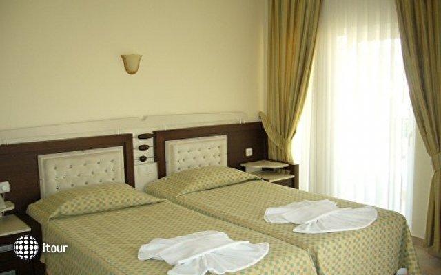 Flower Hotel 4