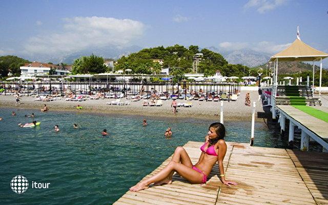 Naturland Aqua Resort 9