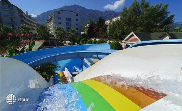 Armas Beach Hotel  3