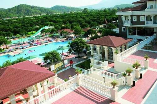 Garden Resort 8