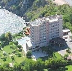 Argos Hotel 6