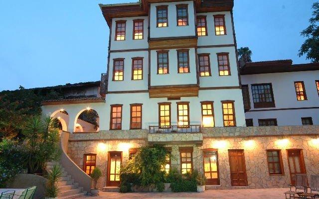 Argos Hotel 2