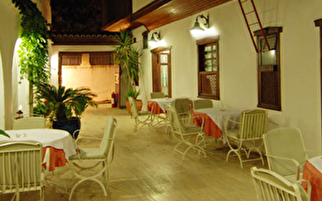 Argos Hotel 4