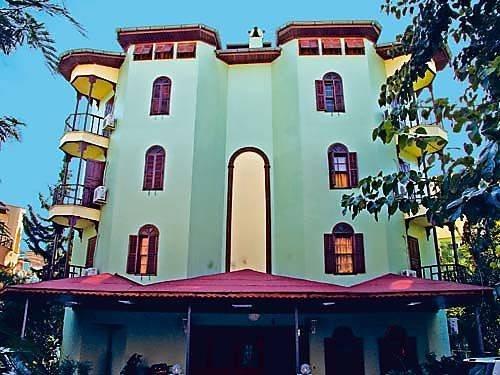 Villa Palas 1