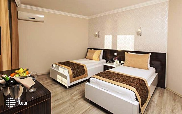 Altes Hotel 6