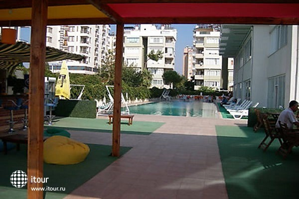 Krystal Beach Hotel 10
