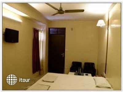My Golden Hotel 4