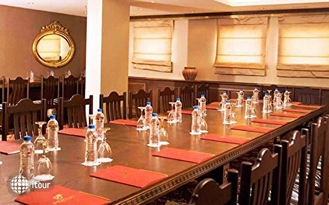 Club Hotel Sera 10