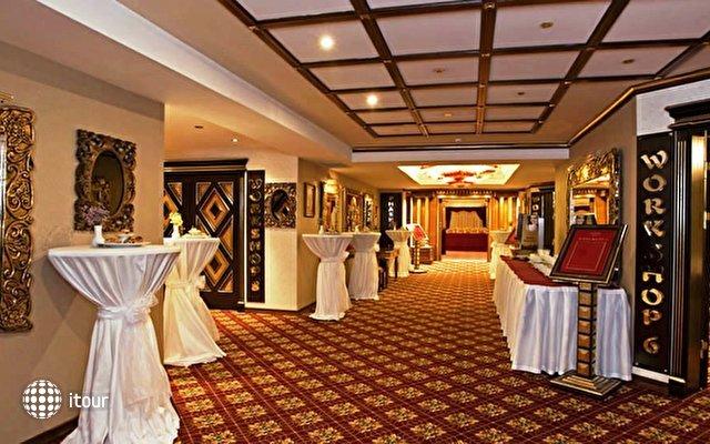 Club Hotel Sera 11