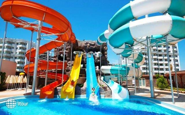 Ramada Resort Lara Hotel 4