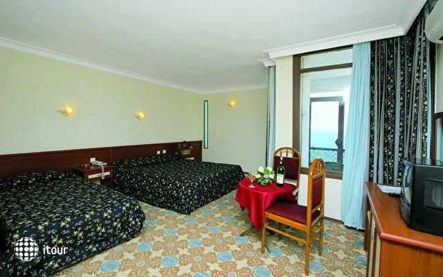 Club Hotel Delfino 6