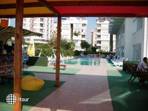 Kristal Beach Hotel 2