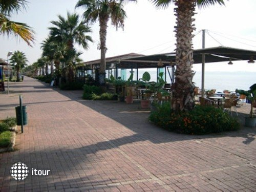 Kristal Beach Hotel 6