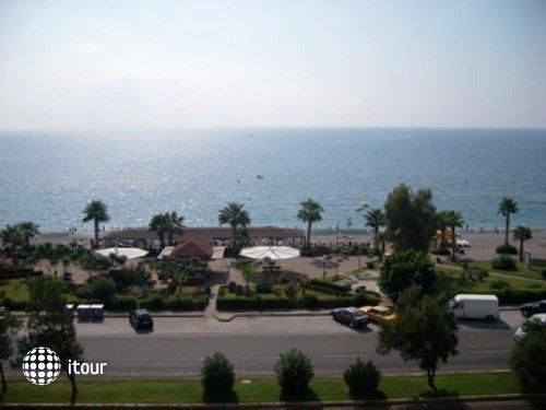 Kristal Beach Hotel 10