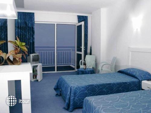 Kristal Beach Hotel 3
