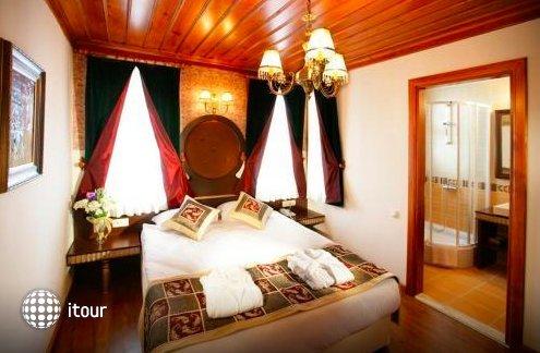 Mediterra Art Hotel 8