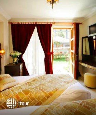 Mediterra Art Hotel 9