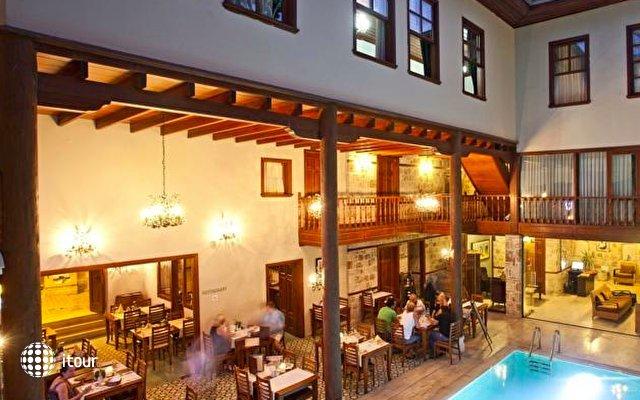 Mediterra Art Hotel 10