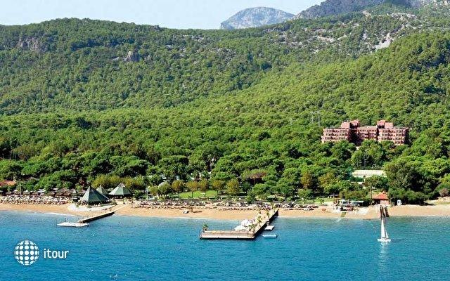 Renaissance Antalya Beach Resort & Spa 1
