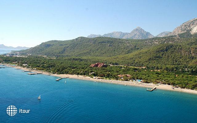 Renaissance Antalya Beach Resort & Spa 2