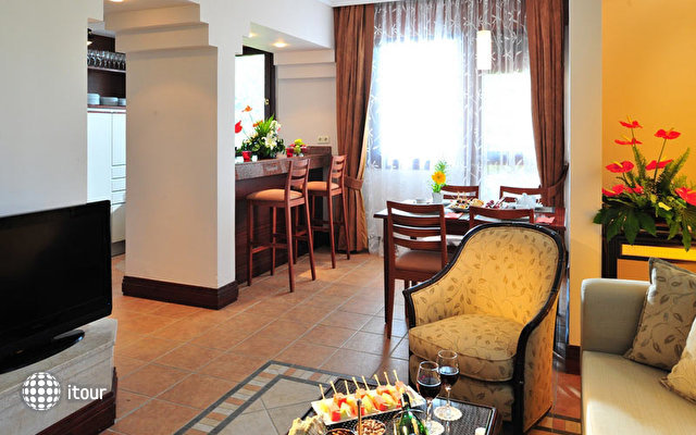 Renaissance Antalya Beach Resort & Spa 7