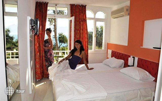 Adalia Hotel 4