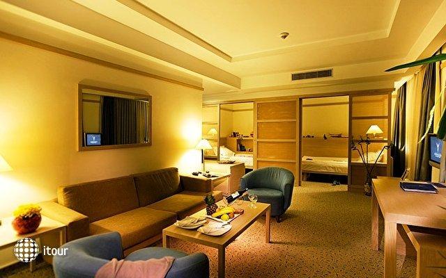 Concorde Deluxe Resort 9
