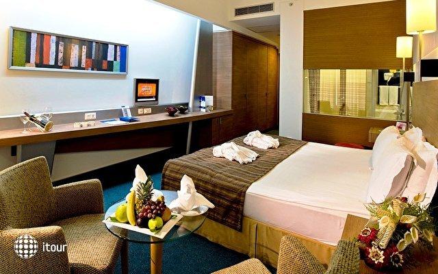 Concorde Deluxe Resort 2
