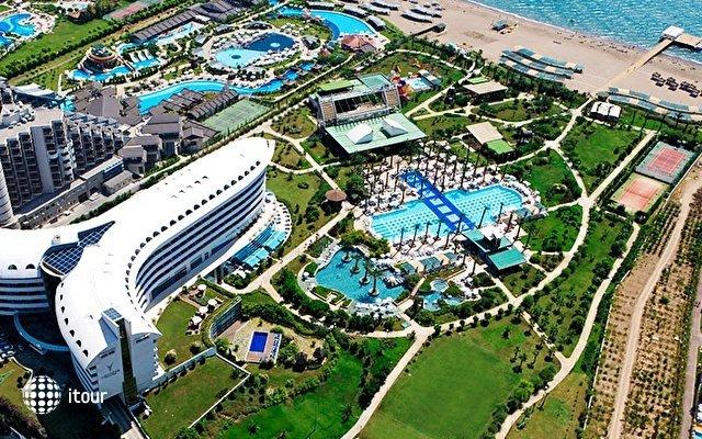Concorde Deluxe Resort 1