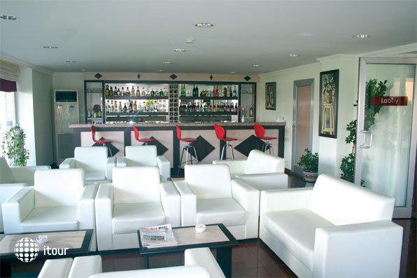 Lara Dinc Hotel 3