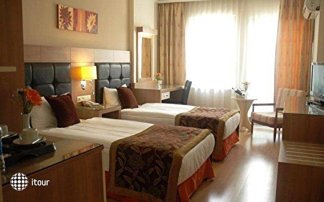 Suite Laguna Hotel 3