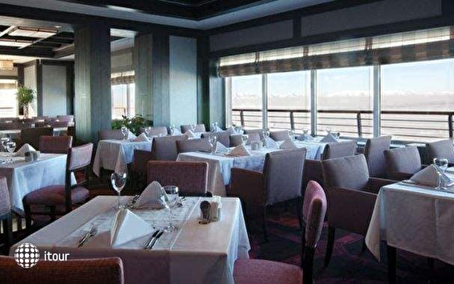 Sway Hotels (ex. Xanadu Snow White Hotel) 5