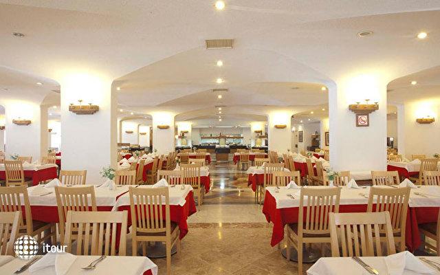 Febeach Resort & Spa 1