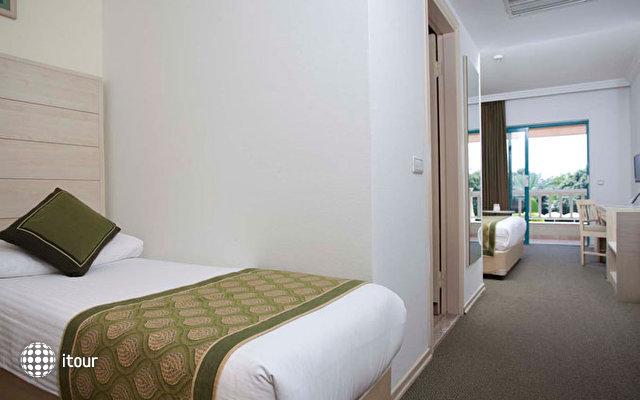 Febeach Resort & Spa 10