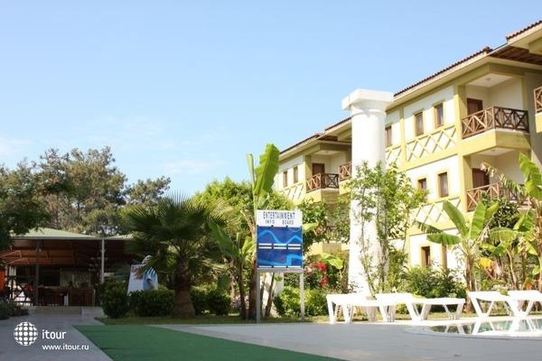 Club Lagonya Garden 3