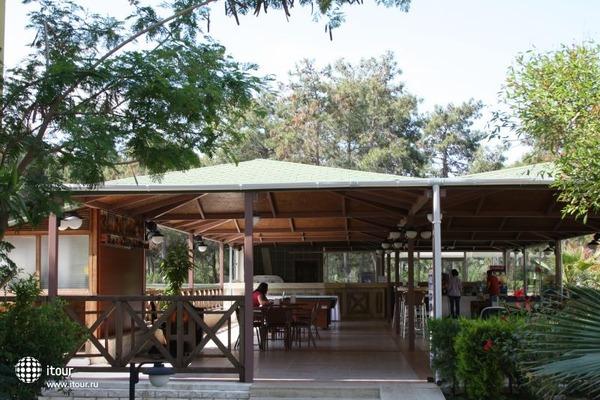 Club Lagonya Garden 10