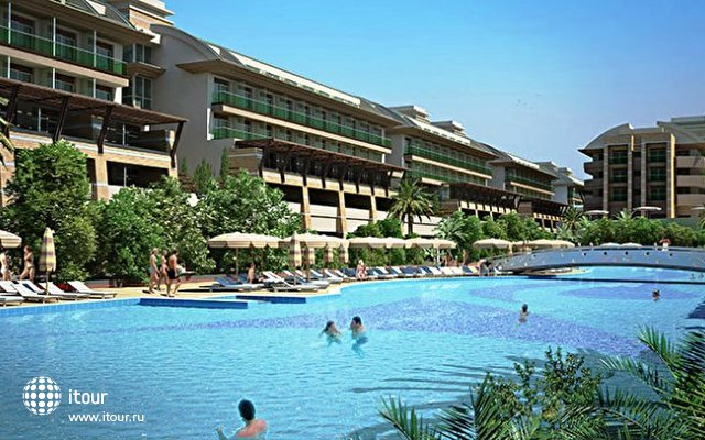Crystal Waterworld Resort & Spa 1