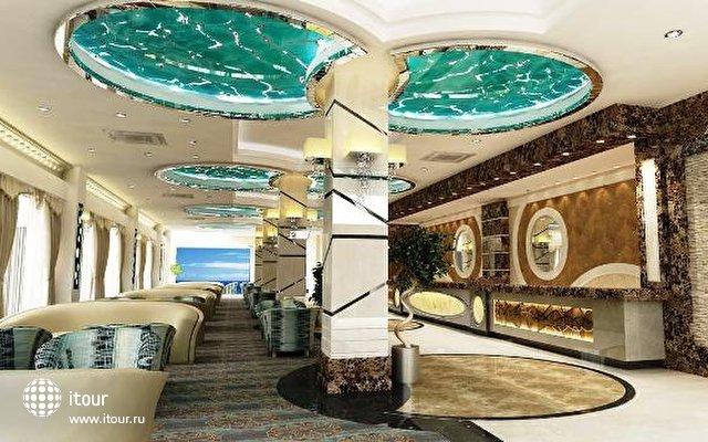 Crystal Waterworld Resort & Spa 2