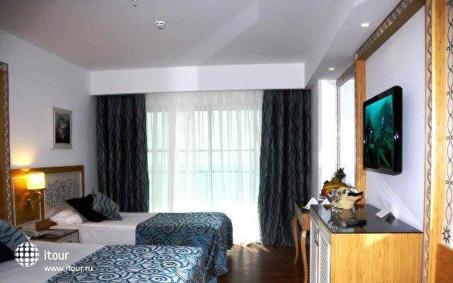 Crystal Waterworld Resort & Spa 9