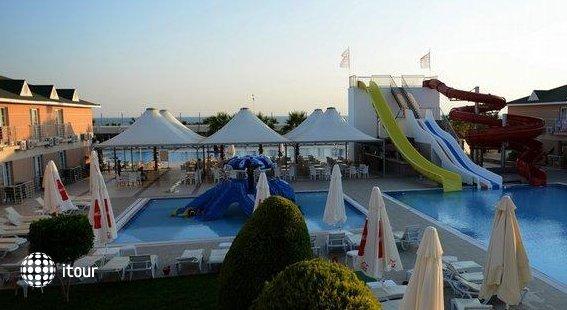 Soho Beach Club Belek 4