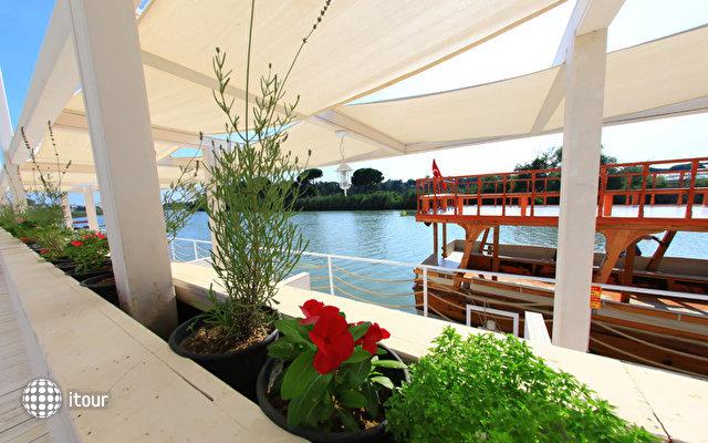 River Garden Villas 10