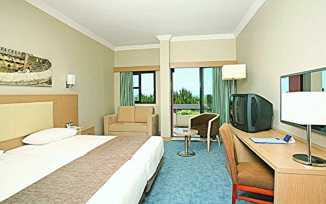 Crystal Tat Beach Golf Resort And Spa 6