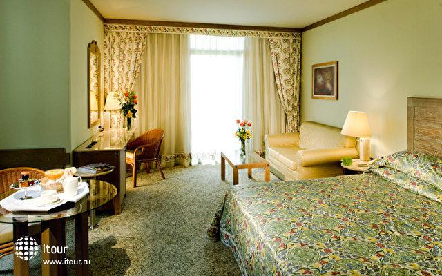 Gloria Verde Resort 7