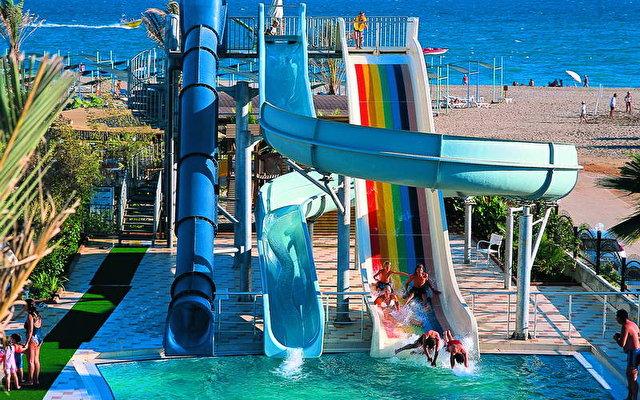 Aydinbey Famous Resort 10