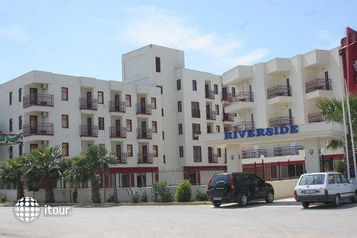 Riverside Hotel 1