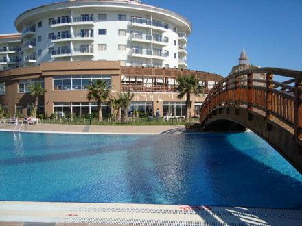 Sea World Resort & Spa 2