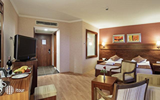 Alba Royal Hotel 4
