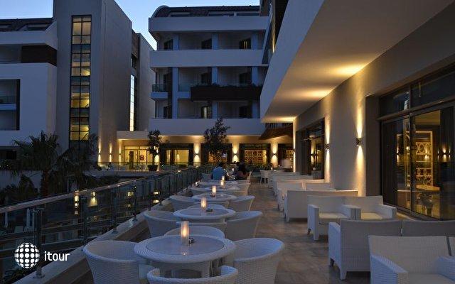 Port Side Resort 5