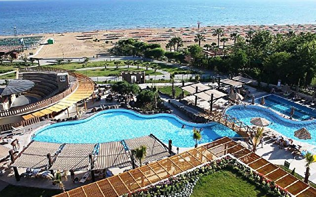 Seamelia Beach Resort Hotel & Spa 8
