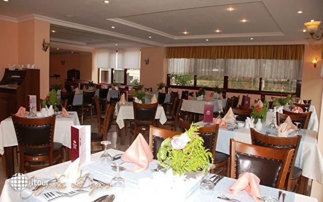 Hera Beach Hotel 9